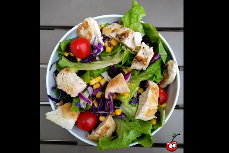 Recette de la salade de poulet grillé par caporal cerise (caporalcerise.fr)