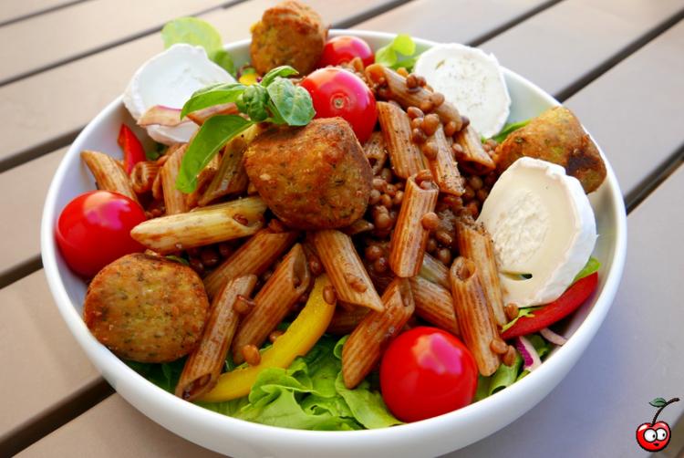 Recette de la salade vegetarienne aux falafels par Caporal cerise (caporalcerise.Fr)