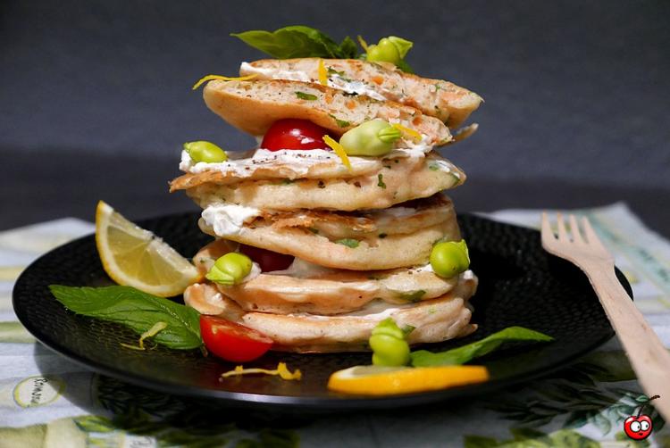 Recettes des pancakes salés au saumon basilic et citron par Caporal Cerise (caporalcerise.Fr)