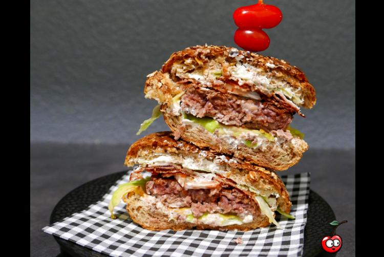 Recette du Healthy bacon burger par Caporal Cerise (caporalcerise.Fr)