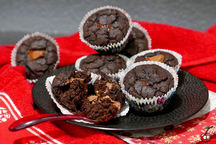 Recettes des muffins au chocolat (pépites et coeur coulant) par Caporal Cerise (caporalcerise.Fr)