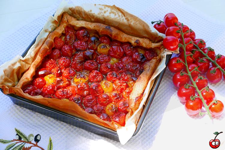recette de la tarte aux tomates cerises miel et vinnaigre balsamique par caporal cerise (caporalcerise.fr)