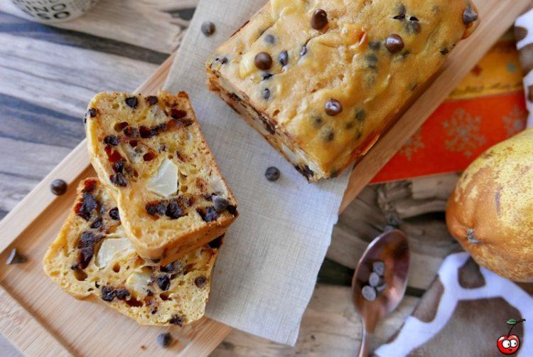 Cake poire amande et pépites de chocolat par caporal cerise (caporalcerise.Fr)