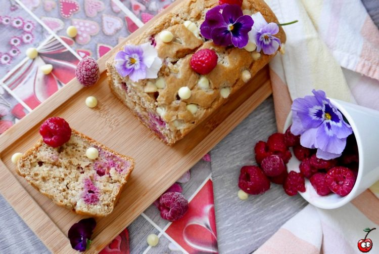 Recette du petit cake framboise chocolat blanc par caporal cerise (caporalcerise.fr)
