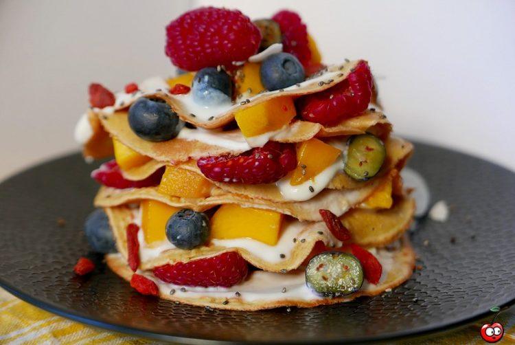 Recette des crêpes proteinée et fruits par caporal cerise (caporalcerise.fr)