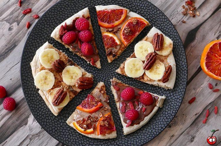 Recette du pancakes géant facon pizza aux fruits par caporal cerise (caporalcerise.fr)