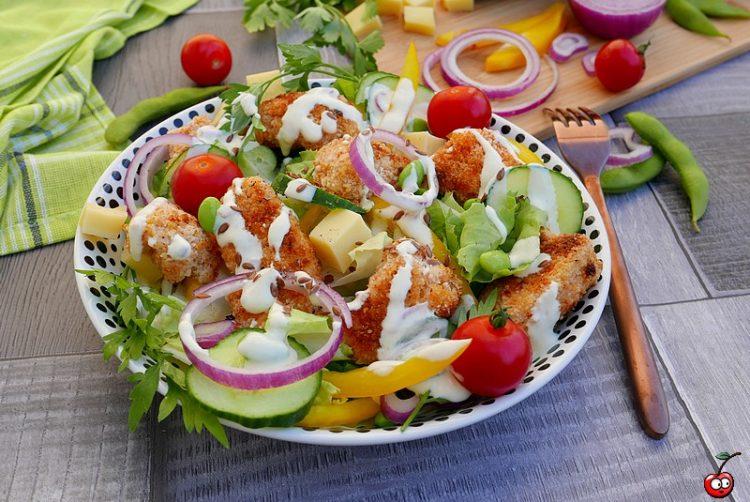 recette de la salade césar au poulet pané par caporal cerise (caporalcerise.Fr)