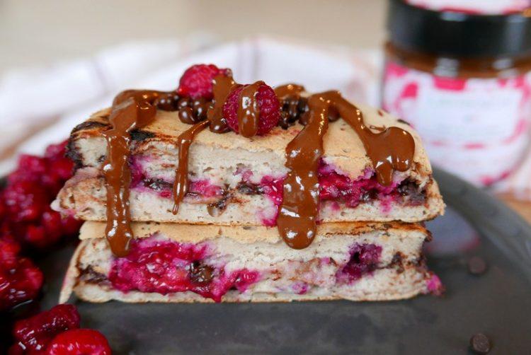 recette du pancake fourré framboise et chocolat noir par caporal cerise (caporalcerise.Fr)